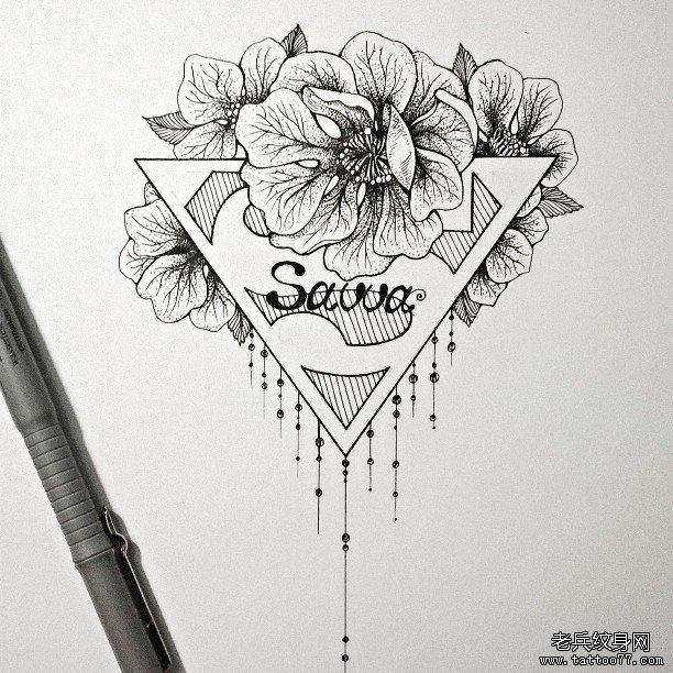 花朵与超人标志纹身图案图片