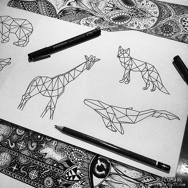 几何线条动物纹身图案