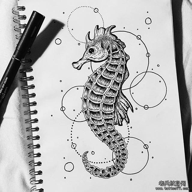 几何黑灰海马纹身图片