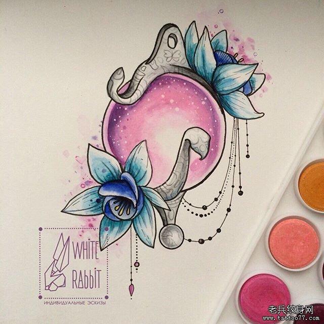 彩色宝石纹身图案