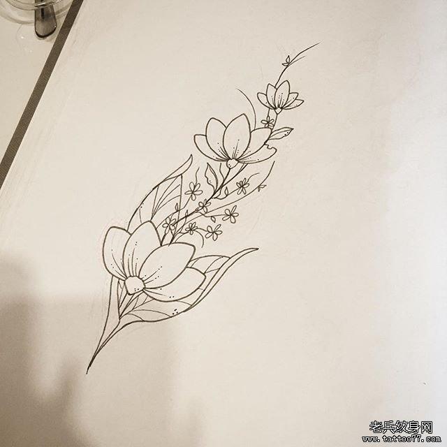 白描花朵纹身图案图片