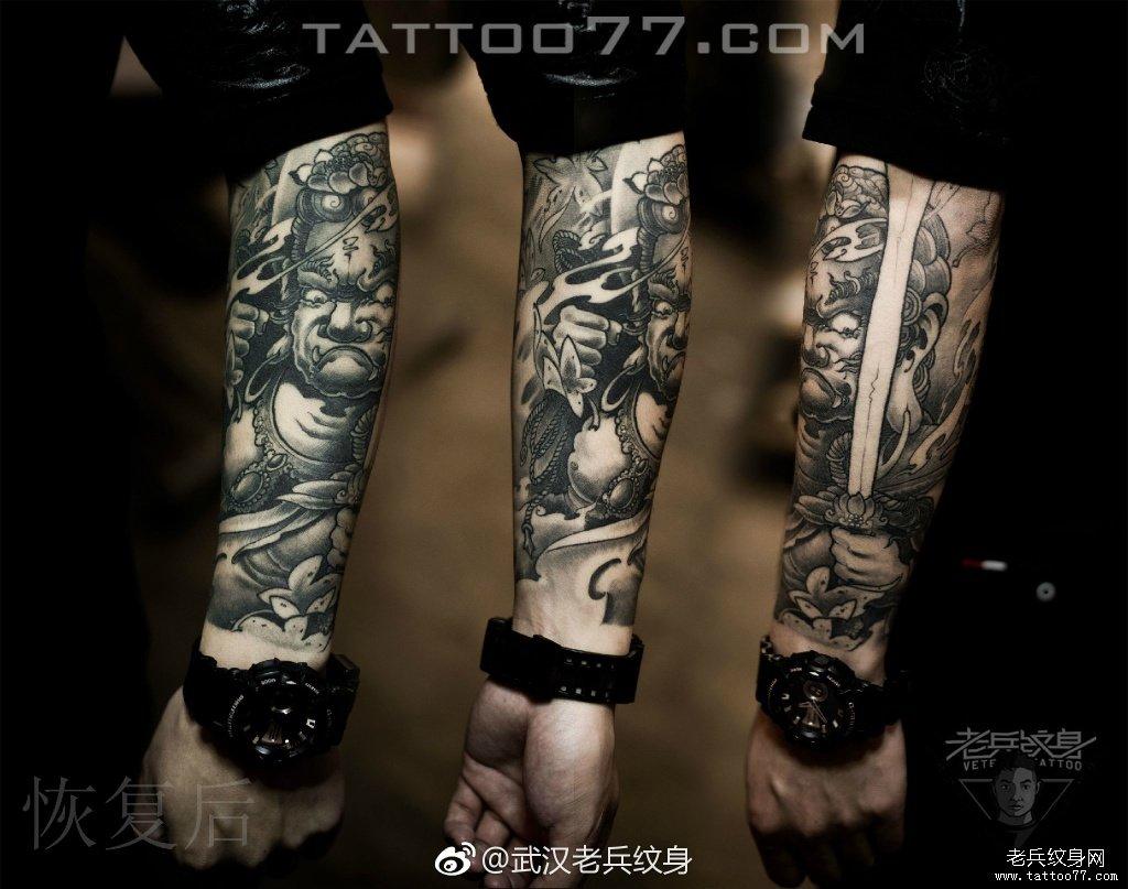 后背仙鹤纹身图案作品