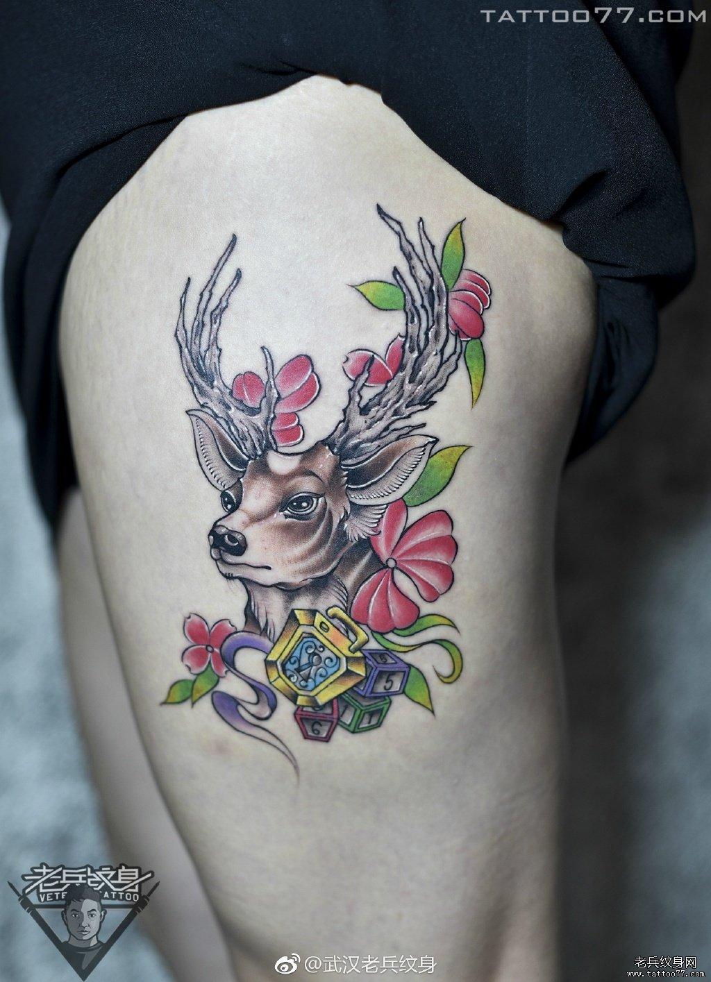 纹身          0 喜欢         浏览           腿部彩色花鹿刺
