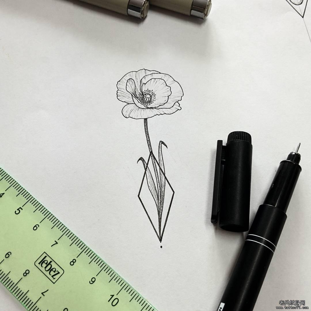 小清新罂粟纹身图案