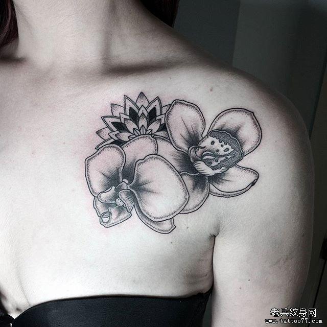 胸口小清新花朵纹身图案