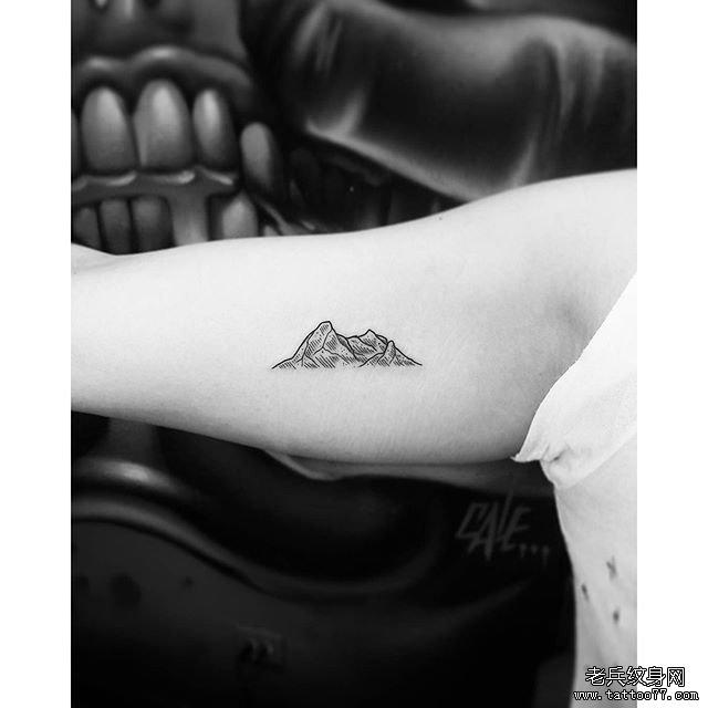 侧腰小清新星座纹身图案         动物点刺狼头纹身图案 0 (0