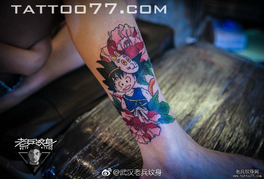 小腿日系传统女郎猫咪纹身图案