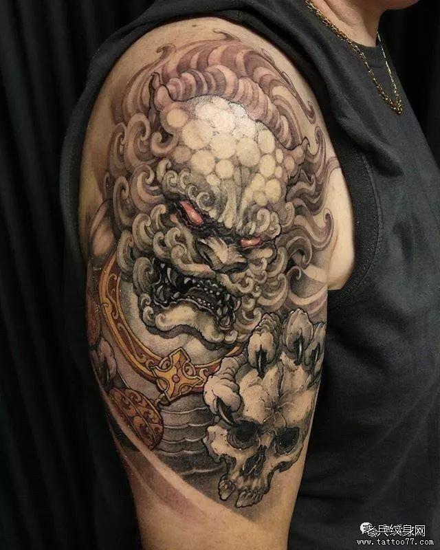 唐狮手臂纹身图案
