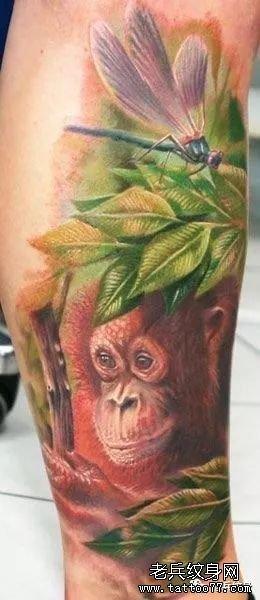 猴子纹身后背图案
