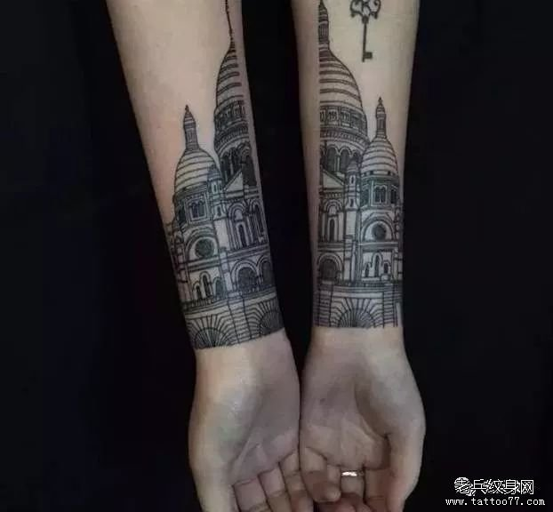 手臂线条纹身图案