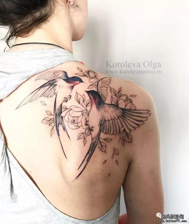 肩胛花燕子纹身图案图片