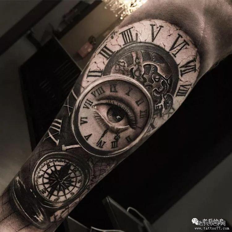 手臂黑灰钟表眼睛纹身图案-手臂色彩捕梦网纹身图案图片
