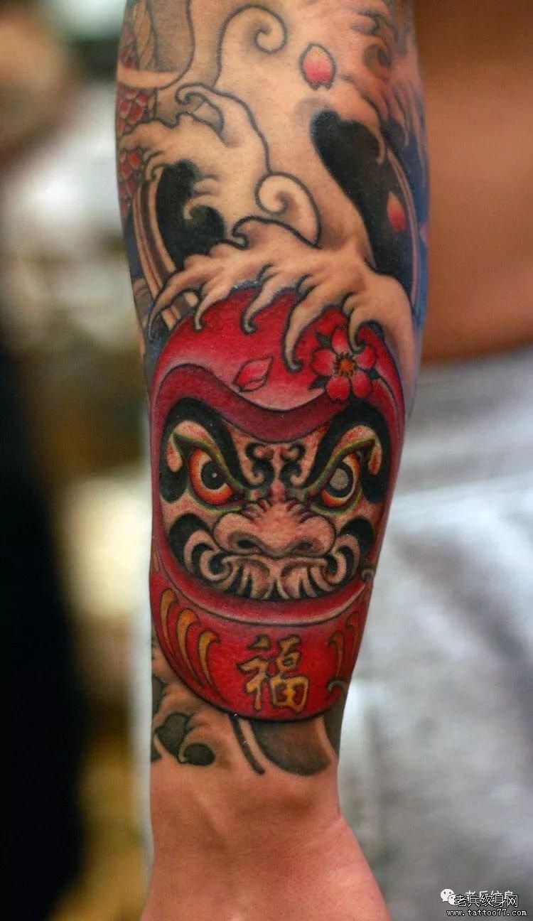 日式达摩纹身图案