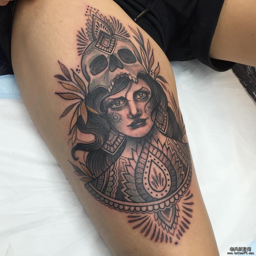 线条女郎纹身手稿图案