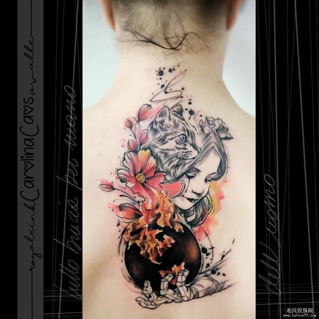 后背色彩花人物纹身图案