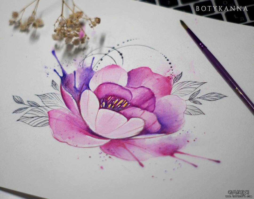 色彩花简约手稿纹身图案