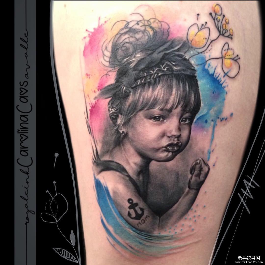 色彩晕染花海螺简约纹身图案