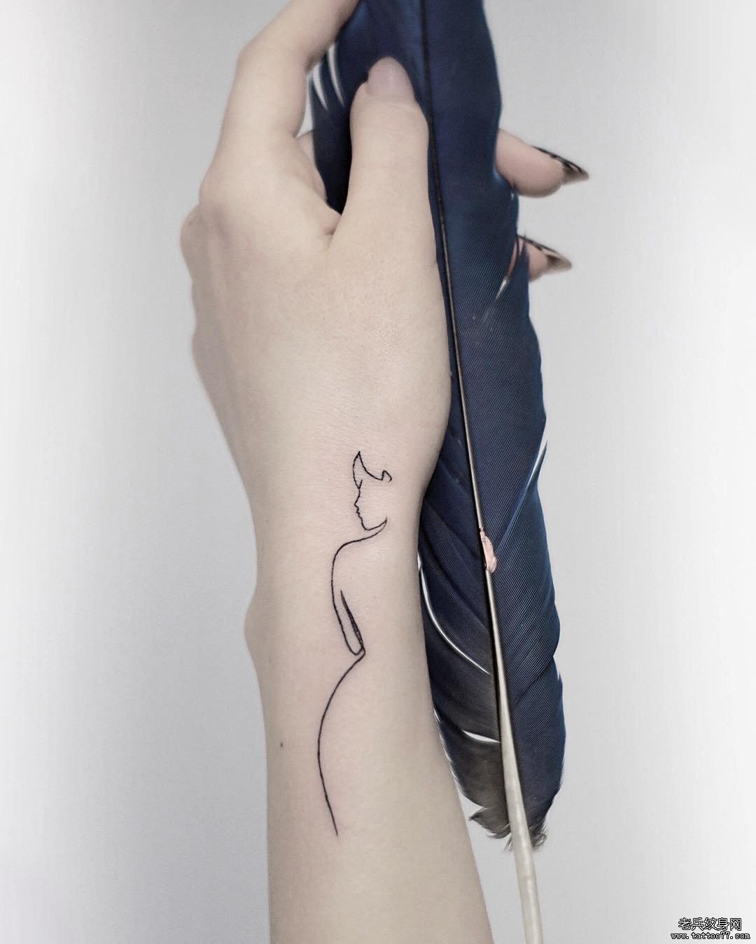 线条女郎简约纹身图案