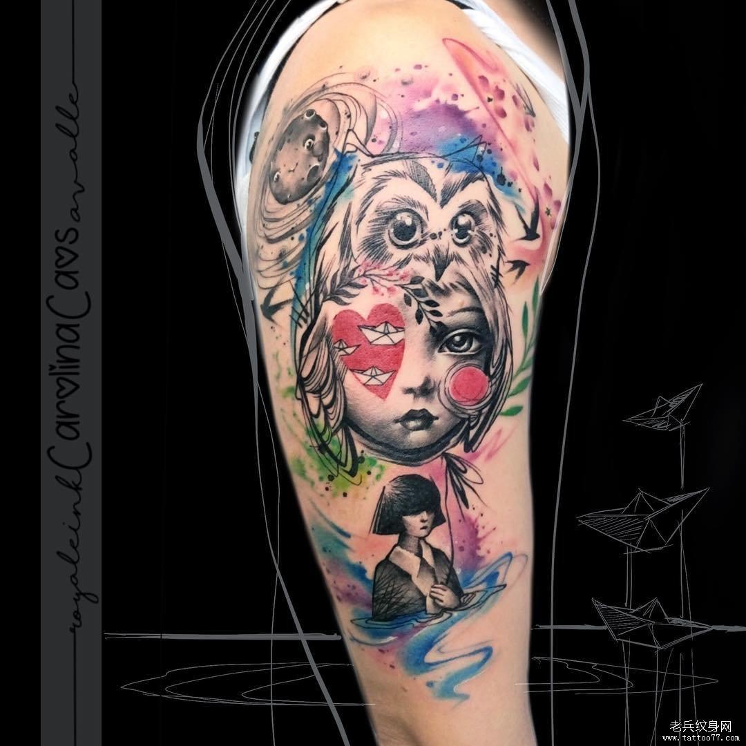 肖像女郎色彩大腿猫头鹰纹身图案