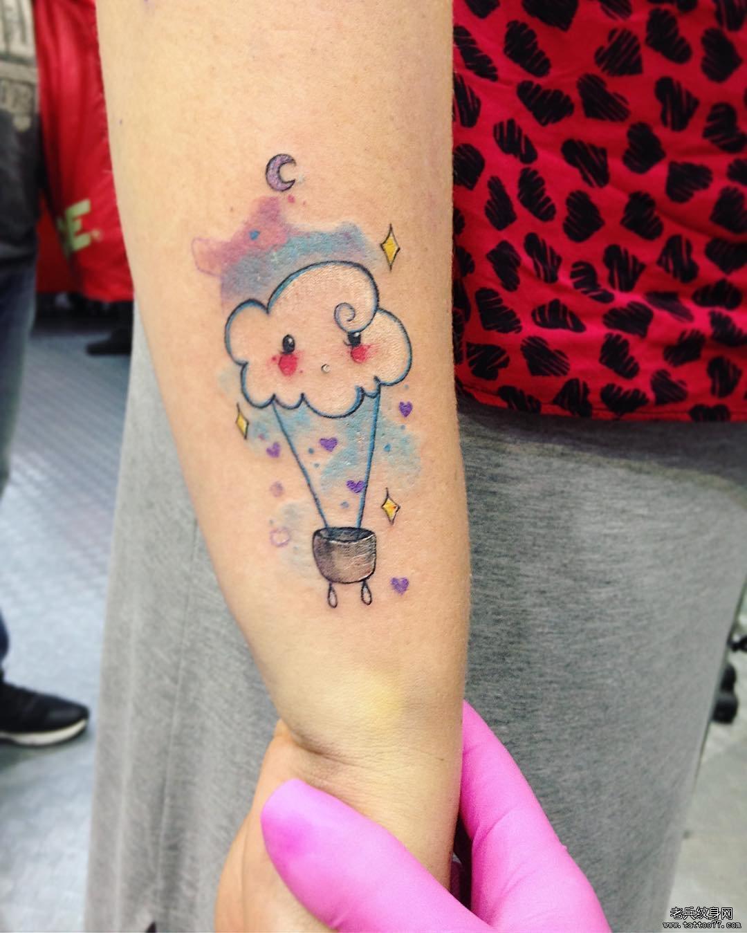 小猫小狗线条水彩泼墨纹身
