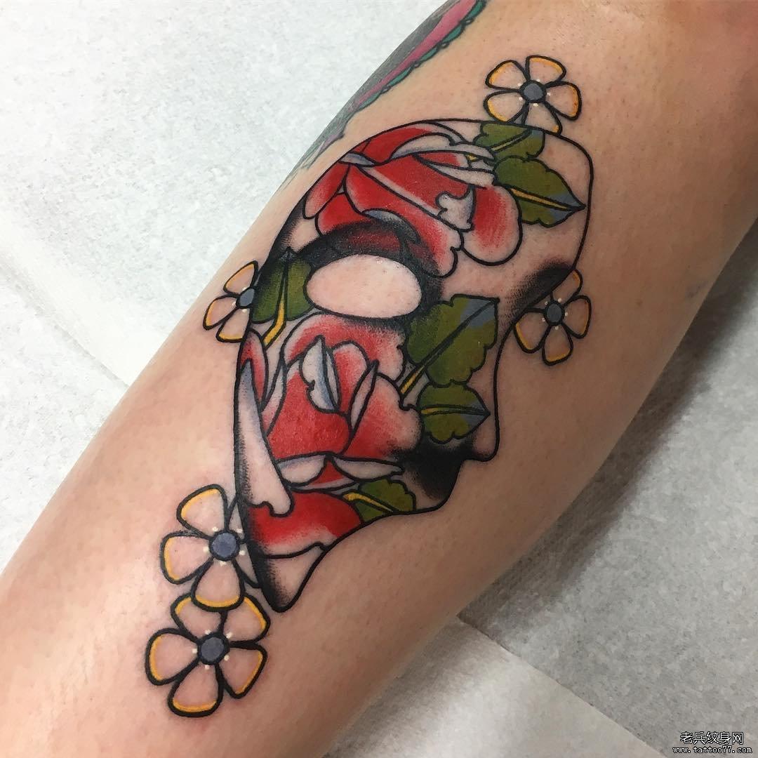 手臂色彩面具纹身图案