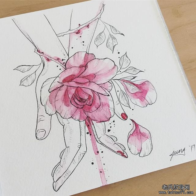 侧腰色彩莲花纹身
