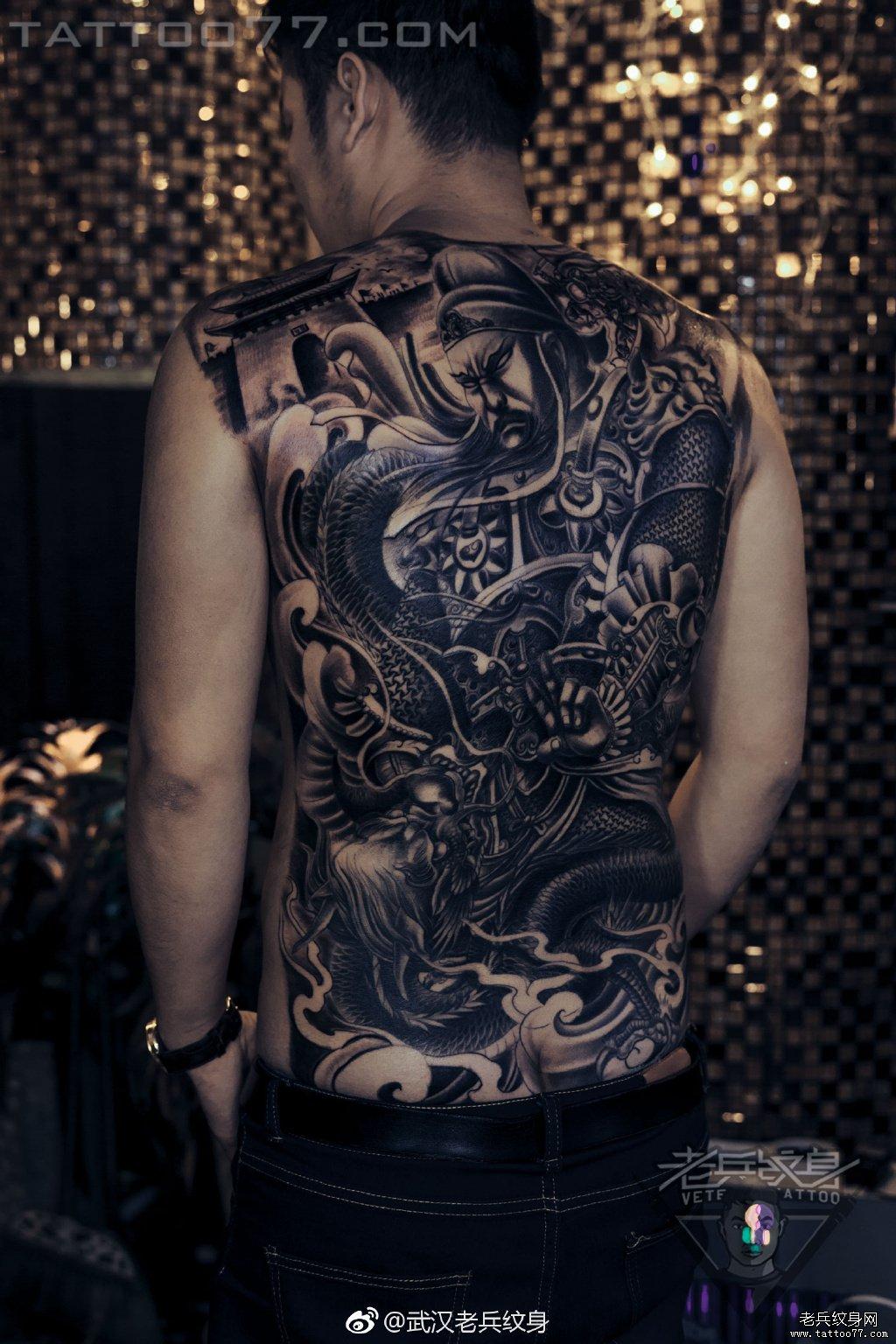满背关羽纹身作品图案