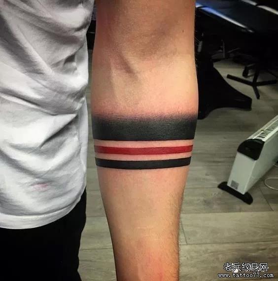 男生炫酷纹身手环,帅到没盆友!