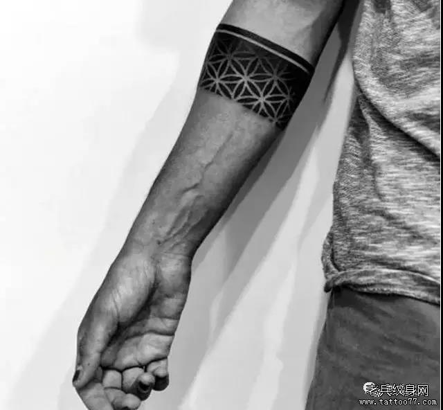 武汉纹身店 武汉纹身店  0 喜欢   浏览  药药切克闹,男生臂环来一套
