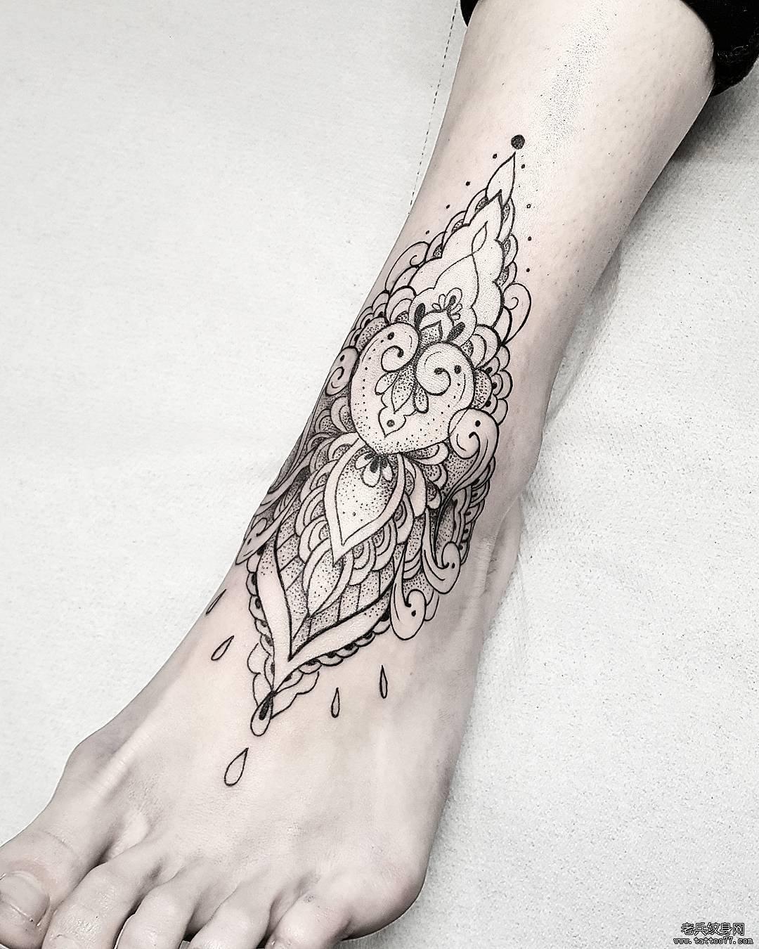 黑灰梵花脚背纹身图案图片