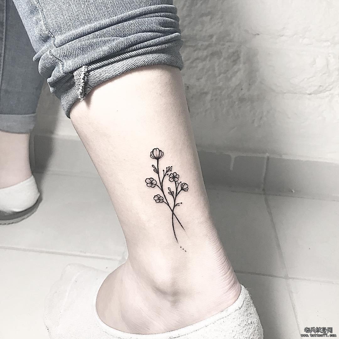 小清新花脚踝纹身图案