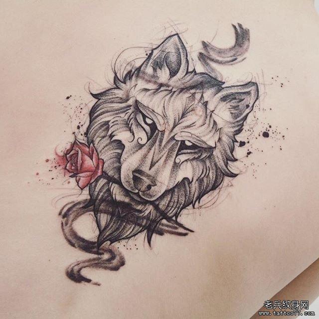 黑灰狼玫瑰花纹身手稿