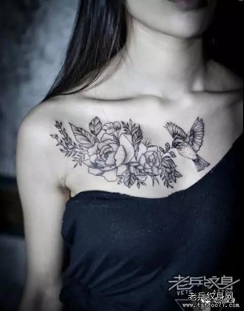 老兵店内纹身作品欣赏——男女锁骨部位纹身