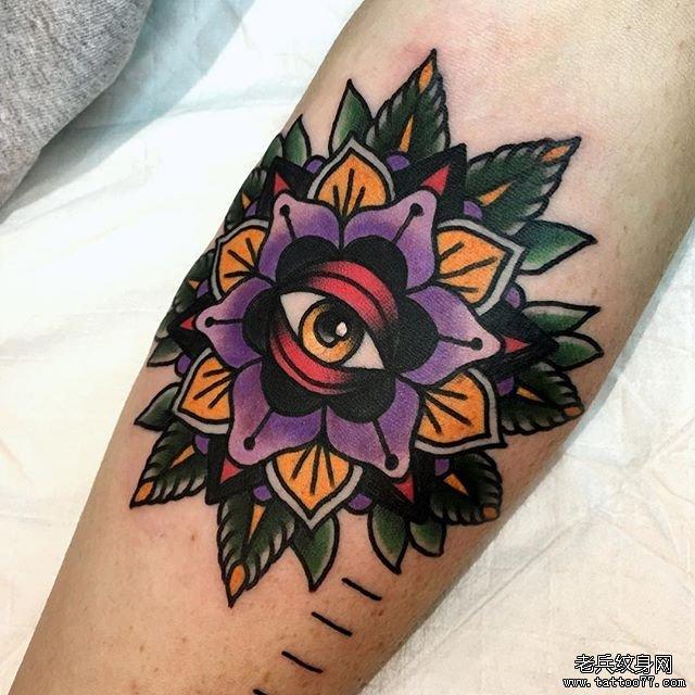 色彩玫瑰眼睛纹身图案