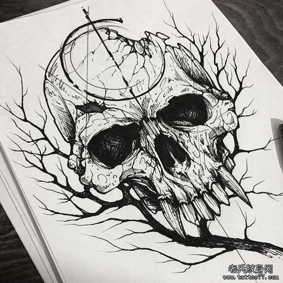 黑灰树枝骷髅纹身手稿