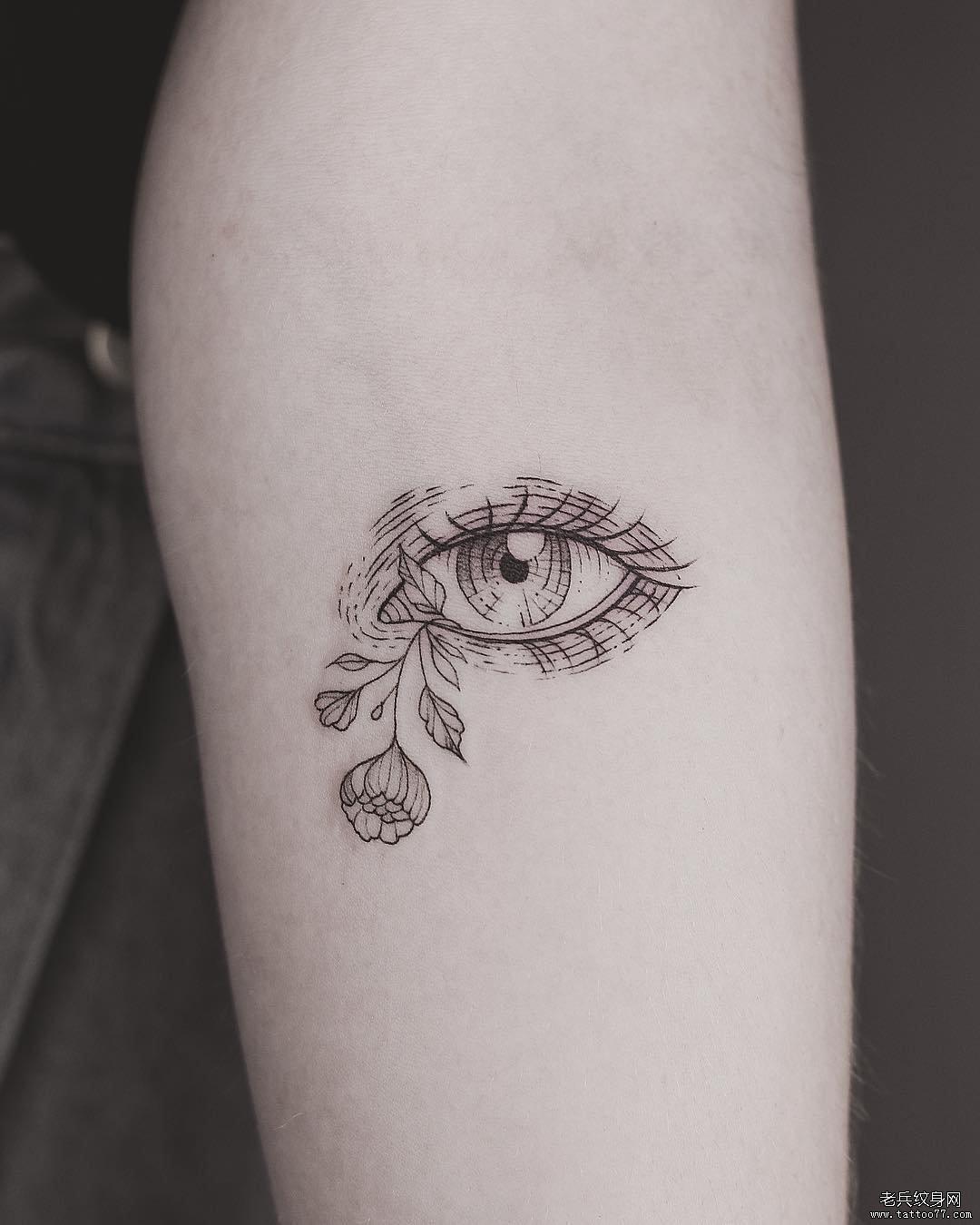 线条眼睛纹身图案