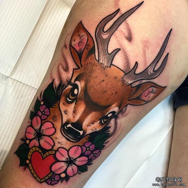 色彩卡通鹿纹身图案图片