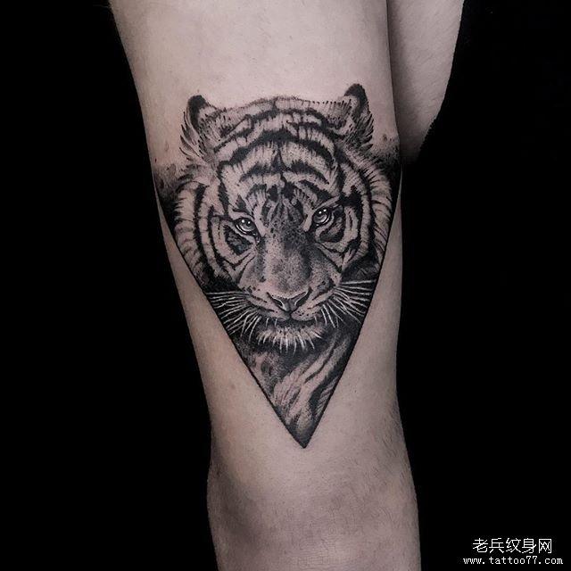 几何老虎纹身图案