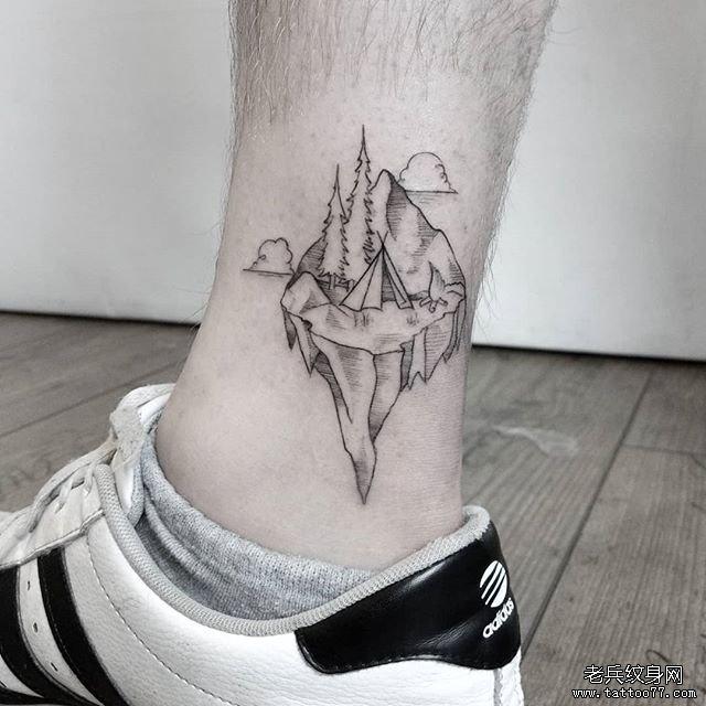 山帐篷树纹身图案