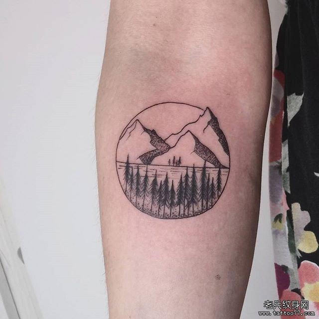 小清新点刺山树纹身图案