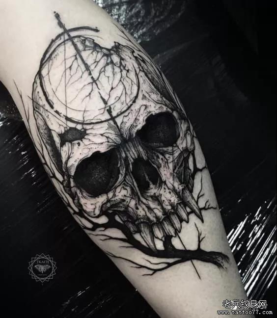 死神,蔷薇,骷髅,龙,蛇,蝎子, 十字架,刀,剑,匕首,采用血红, 青色,黑色