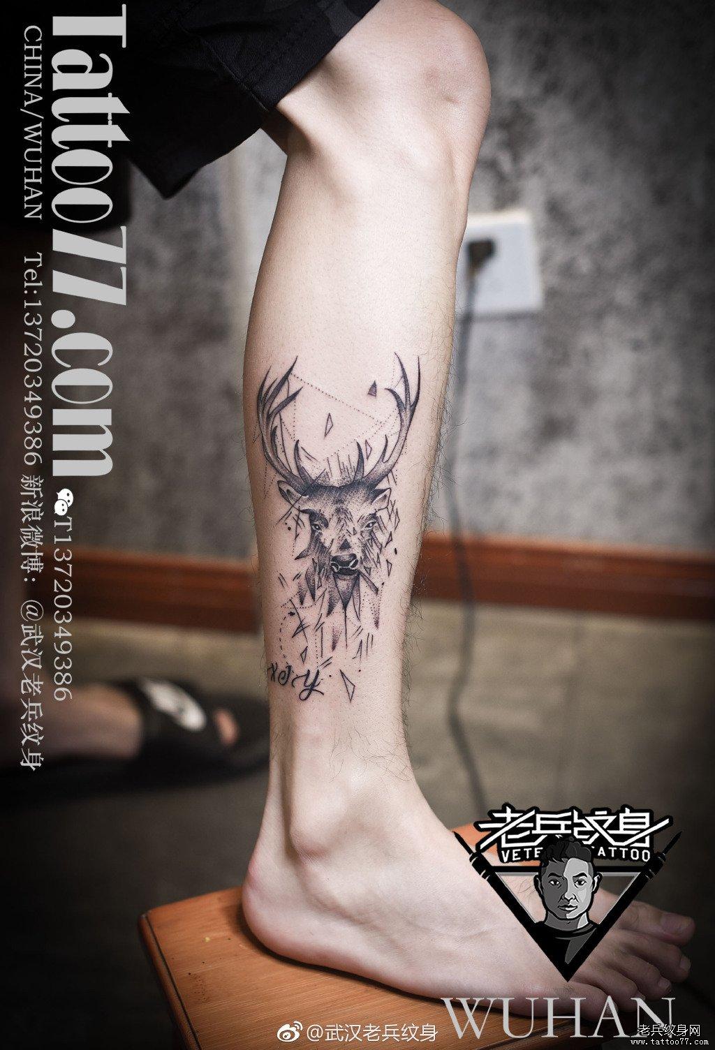 脚踝鹿纹身图案图片