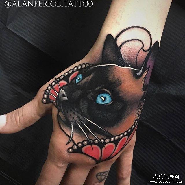 手背猫咪纹身图案