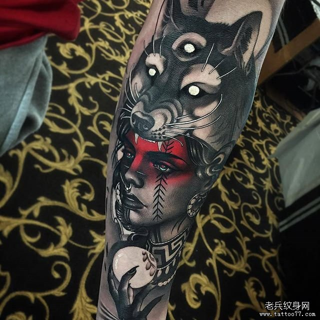狼女郎纹身图案