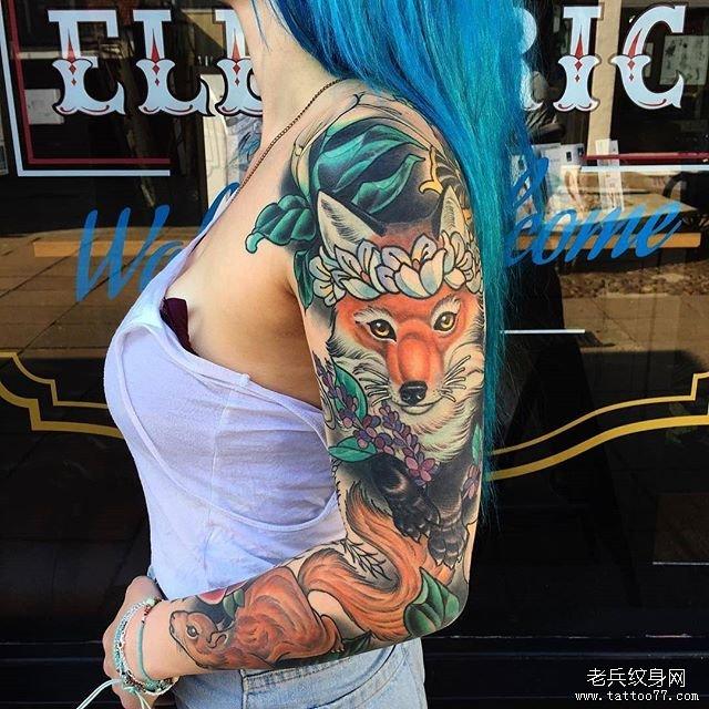 花臂狐狸松鼠纹身图案
