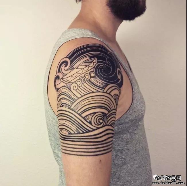 新闻资讯 国内国际纹身刺青资讯  #日式浪花#    三面浪花纹身,生活多