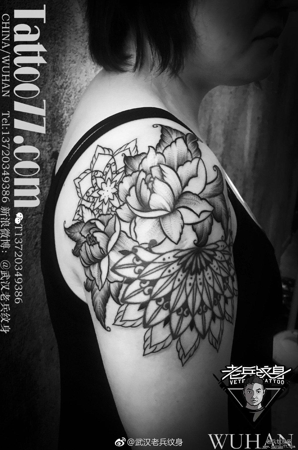 大臂花朵梵花纹身图案