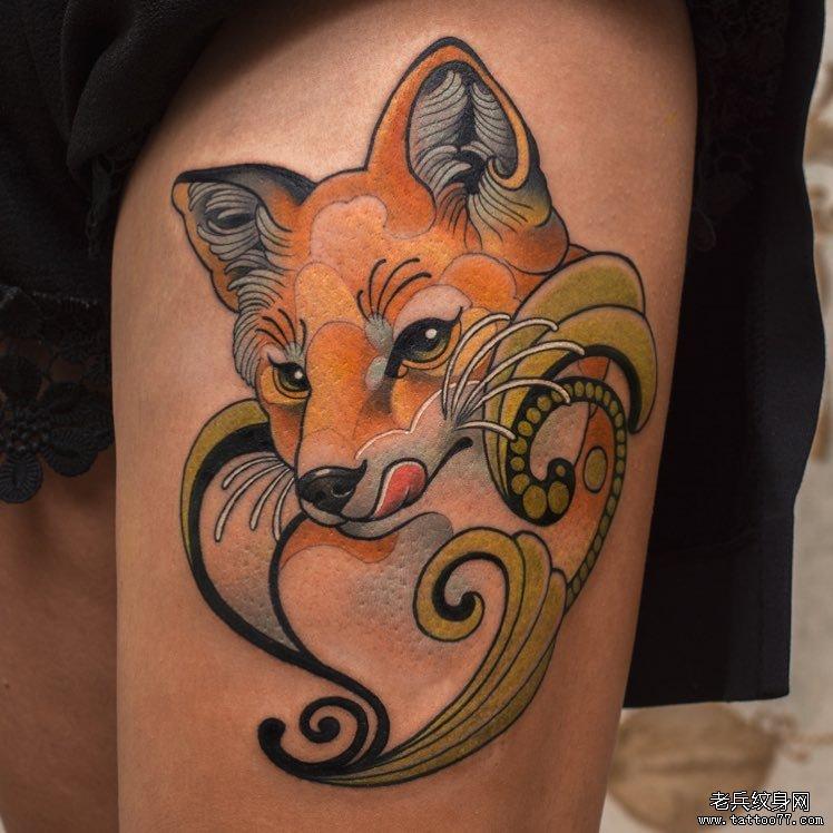 彩色狐狸纹身图案