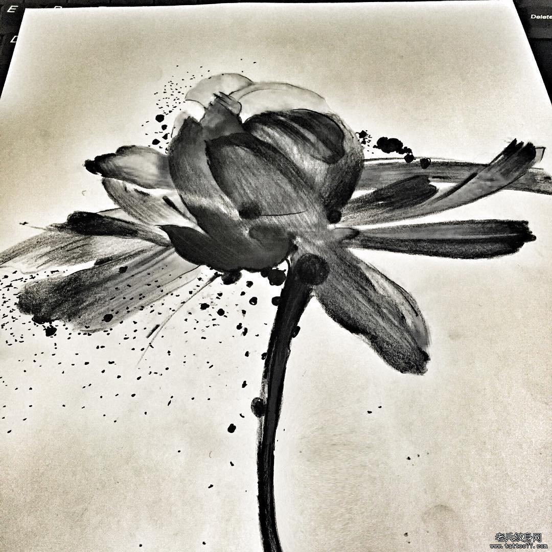 黑灰水墨荷花手稿图案
