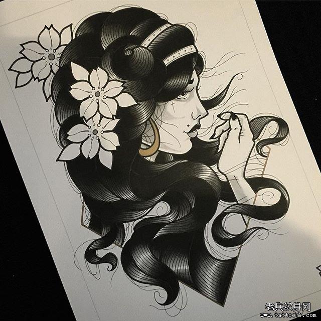 黑灰骷髅玫瑰花纹身图案